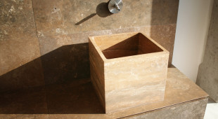 Sharp Edge Square Basin by Vaselli